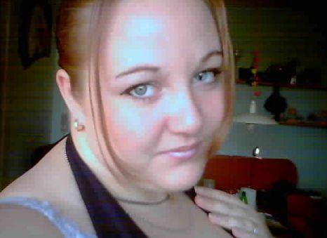 30 jarige vrouw uit  Antwerpen zoekt man voor Spannend contact