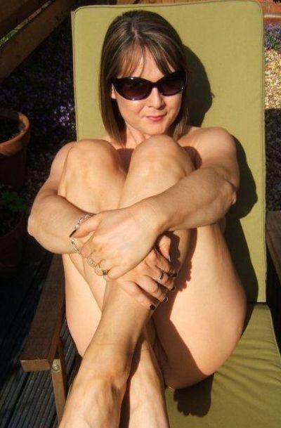 Anoniem contact met 52 jarige vrouw op zoek naar sexdating in Katwijk