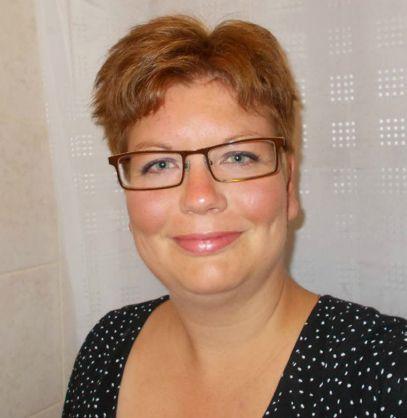 49 jarige Vrouw uit  (West-Vlaanderen) zoekt man voor Cybersex, Vriendschap, Foto's delen, Rollenspel, F