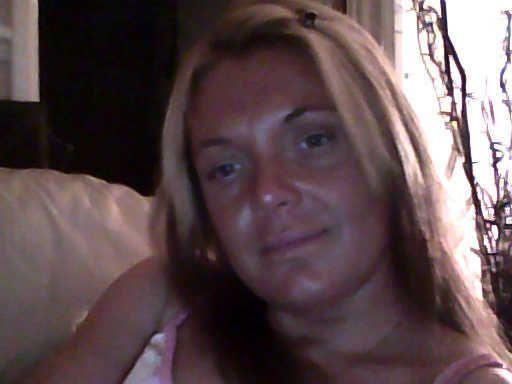 Spannend contact, Vriendschap met 44 jarige vrouw uit  Limburg (België)