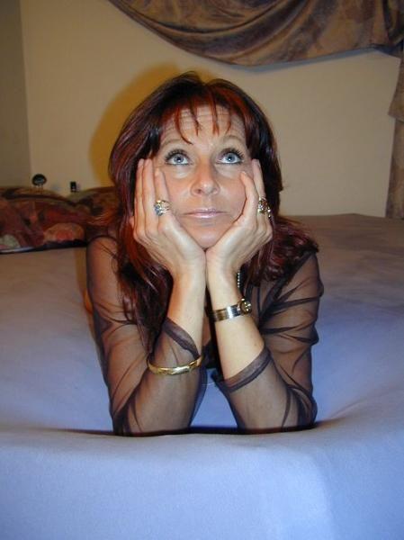 61 jährige Frau aus  (Berlin) sucht Sexkontakt