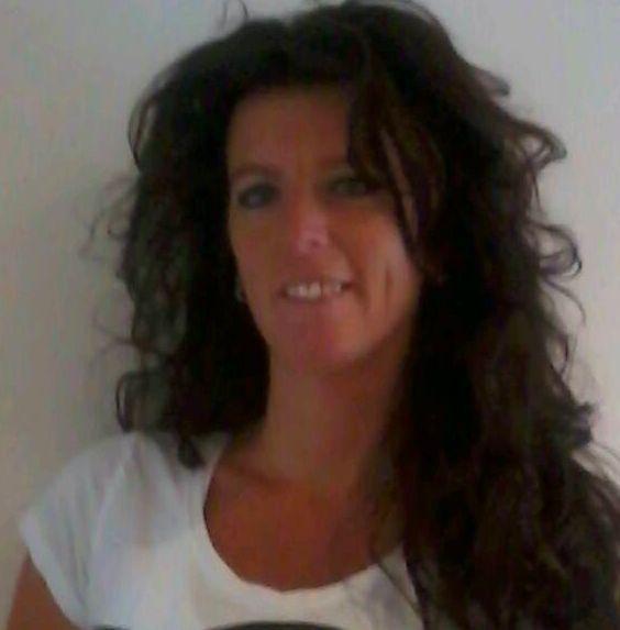 51 jarige vrouw uit  Oost-Vlaanderen zoekt man voor Spannend contact, Vriendschap