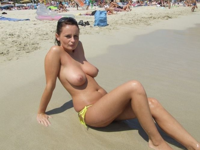 Toplesslady
