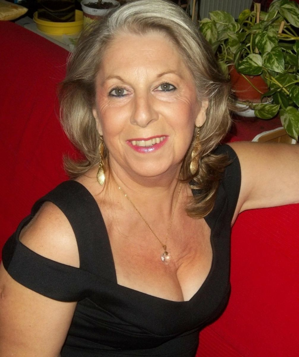 58 jährige Frau aus Gützkow (Mecklenburg-Vorpommern) sucht Sexkontakt