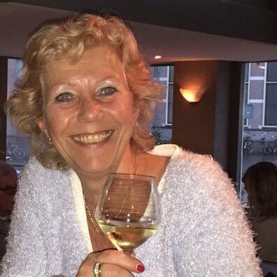 64 jährige Frau aus Bergisch Gladbach (Nordrhein-Westfalen) sucht Sexkontakt