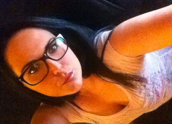 32 jarige Vrouw uit Antwerpen (Antwerpen) zoekt man voor Spannend contact, Cybersex, Vriendschap