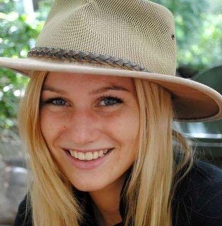 32 jarige vrouw uit  Henegouwen zoekt man voor Spannend contact, Vriendschap