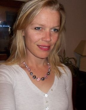 43 jarige vrouw uit  West-Vlaanderen zoekt man voor Spannend contact