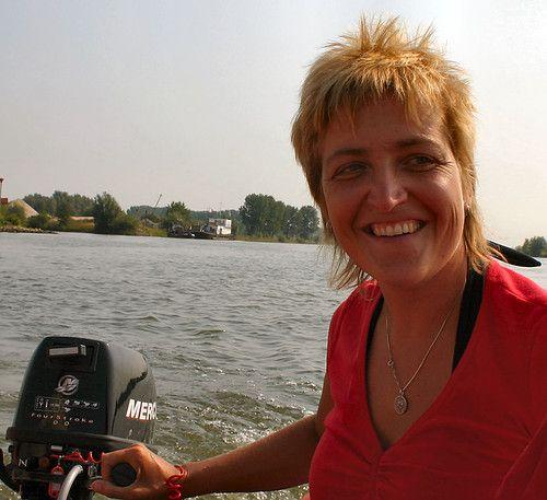Spannend contact, Vriendschap met 55 jarige vrouw uit Sint-Goriks-Oudenhove Oost-Vlaanderen