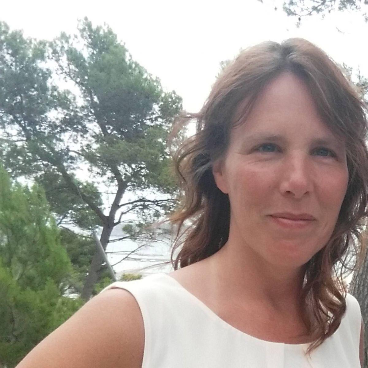 49 jarige Vrouw uit Burdinne (Luik) zoekt man voor Spannend contact, Vriendschap