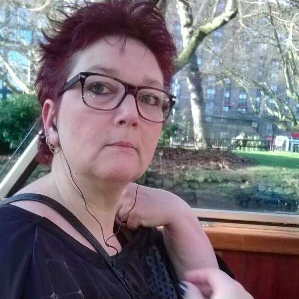 Anoniem contact met 60 jarige vrouw op zoek naar sexdating in Maarsen