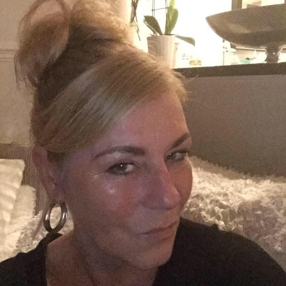 51 jarige vrouw uit Orchimont Namen zoekt man voor Spannend contact, Vriendschap, Fantasie delen