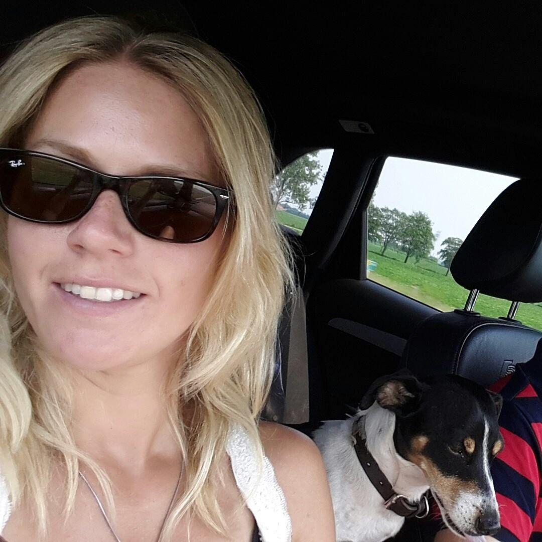 32 jarige vrouw uit Sint-Jans-Molenbeek Brussel zoekt man voor Spannend contact, Cybersex, Rollenspel