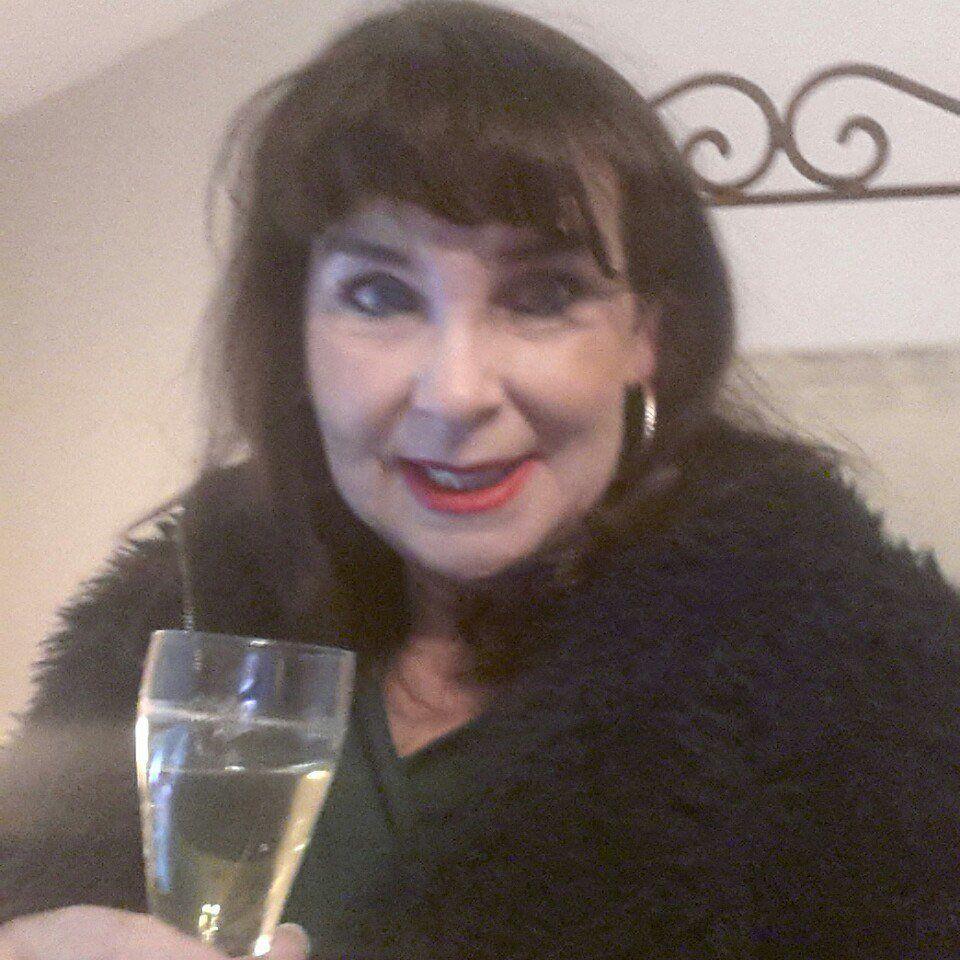 Spannend contact, Cybersex, Vriendschap, Rollenspe met 59 jarige vrouw uit  Drenthe