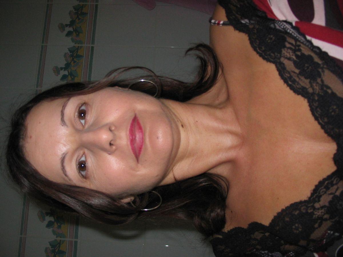 Spannend contact met 44 jarige vrouw uit  Oost-Vlaanderen