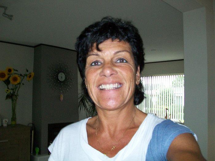 49 jarige vrouw uit Zandhoven Antwerpen zoekt man voor Rollenspel, Fantasie delen