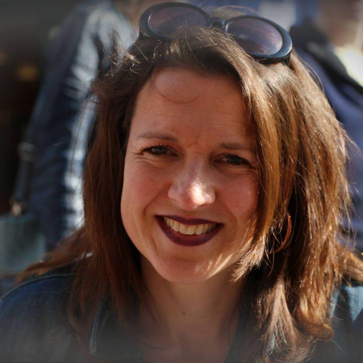 47 jarige vrouw uit Gits West-Vlaanderen zoekt man voor Spannend contact, Cybersex, Vriendschap, Rollenspe