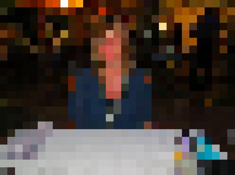 57 jarige Vrouw uit  (Gelderland) zoekt man voor Cybersex, Rollenspel, Fantasie delen