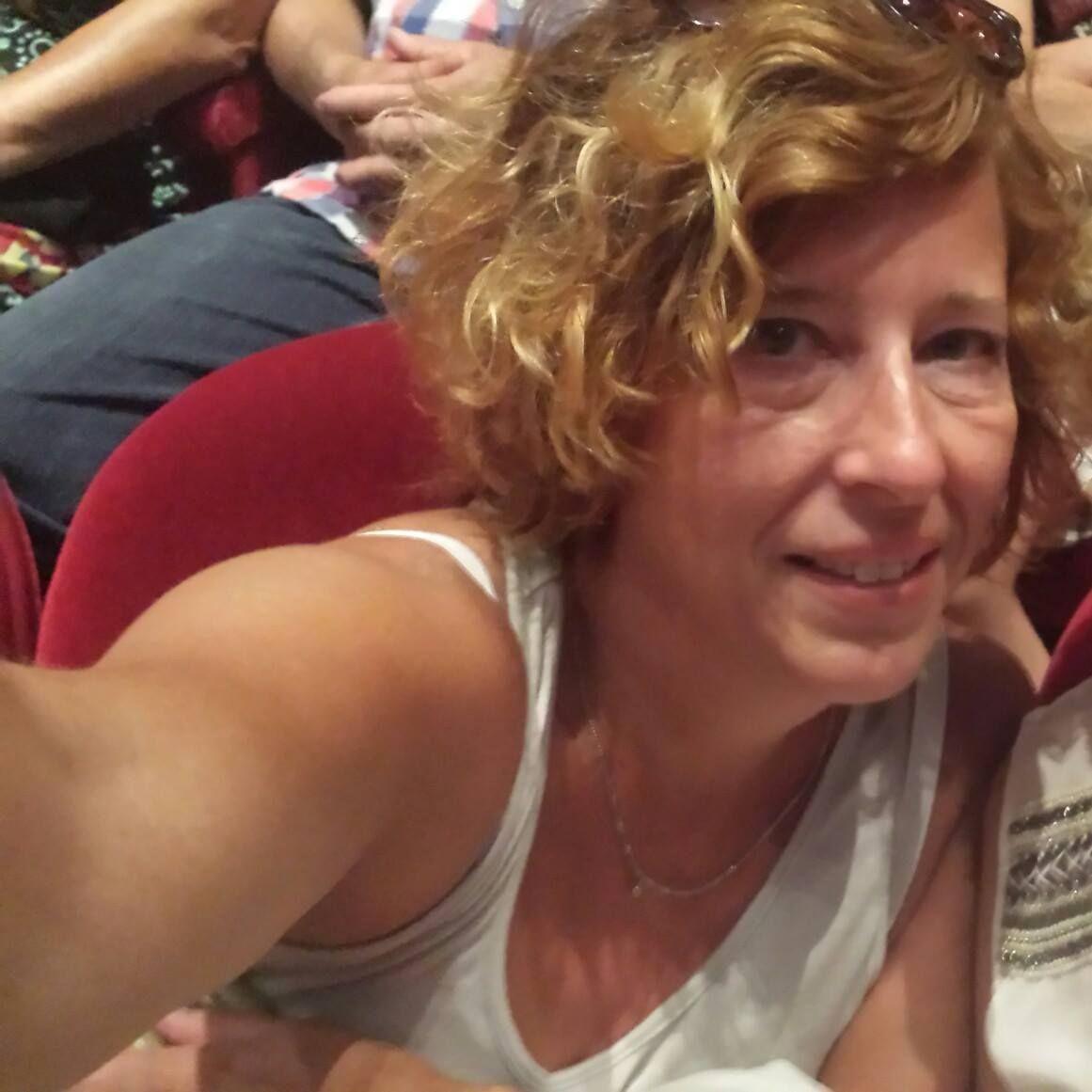 55 jarige vrouw uit Magnée Luik zoekt man voor Spannend contact, Cybersex, Fantasie delen