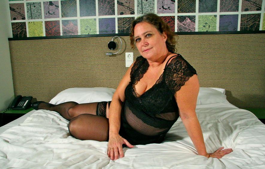 58 jährige Frau aus Ulm (Baden-Württemberg) sucht Sexkontakt