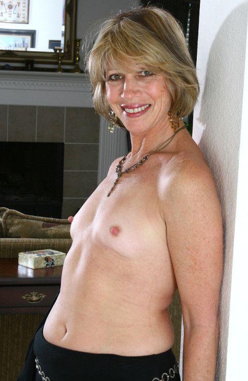 55 jährige Frau aus Strachtitz (Mecklenburg-Vorpommern) sucht Sexkontakt