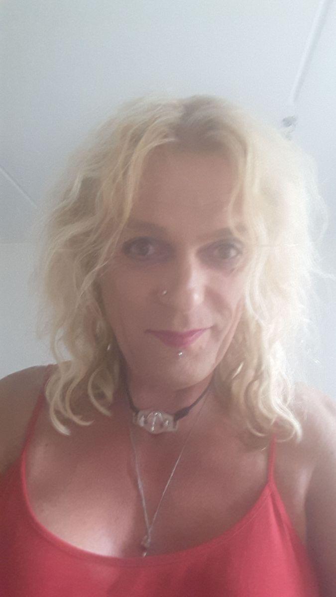 met 51 jarige vrouw uit Eindhoven Noord-Brabant