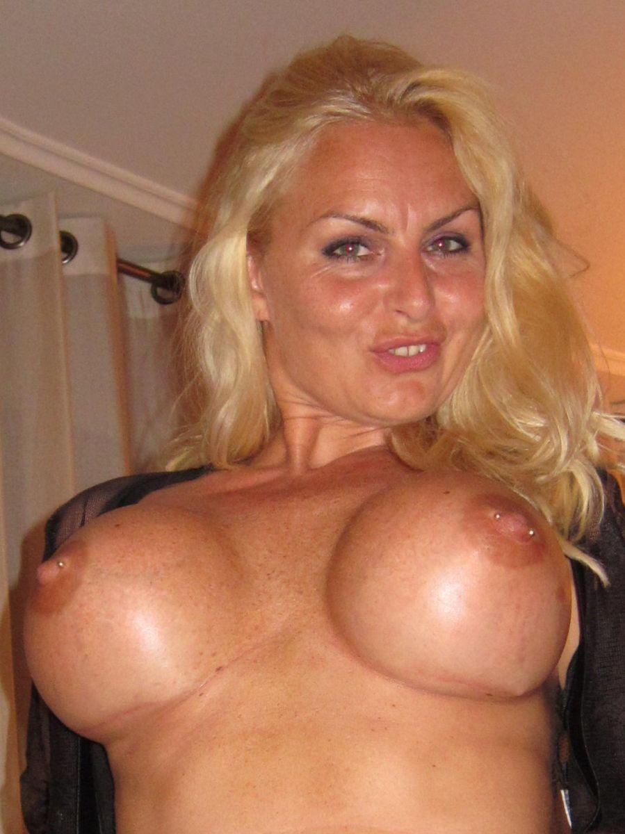 Cybersex, Foto's delen met 49 jarige vrouw uit Zoetermeer Zuid-Holland