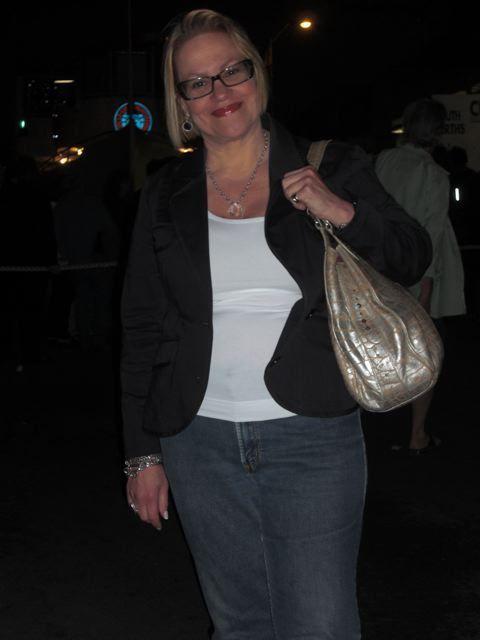 51 jarige vrouw uit Roesbrugge-Haringe West-Vlaanderen zoekt man voor Spannend contact, Vriendschap